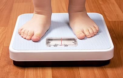 Servizio per il controllo del peso nei bambini in età infantile
